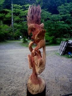 軍鶏の彫刻、闘鶏チェンソーアート