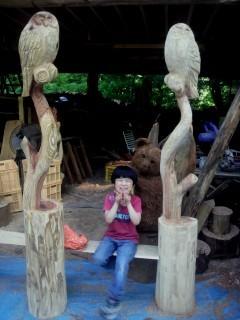 2mのフクロウ彫刻ベンチ2、・・・枝増しの高さがね