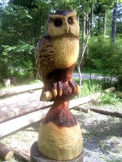 チェーンソーアートカービング彫刻フクロウ
