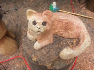 彫刻ネコと旅