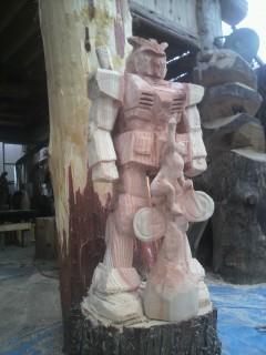機動戦士ガンダム彫刻チェンソーアートカービング