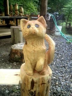チェーンソーカービング彫刻子ネコ
