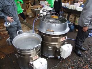 災害炊き出し用炊飯器、連続給湯可能な多機能灯油炊飯釜
